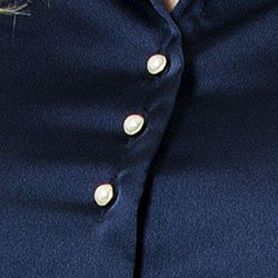 detalhes camisa jussara botao perola