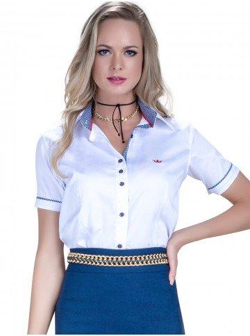 camisa manga curta branca principessa milena look