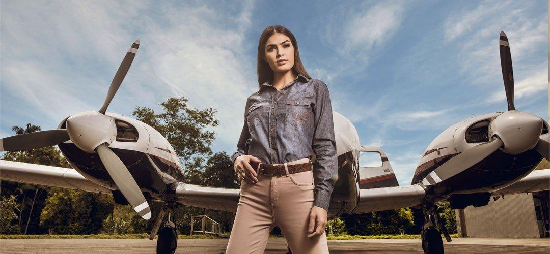 foto conceito camisa jeans pedrita