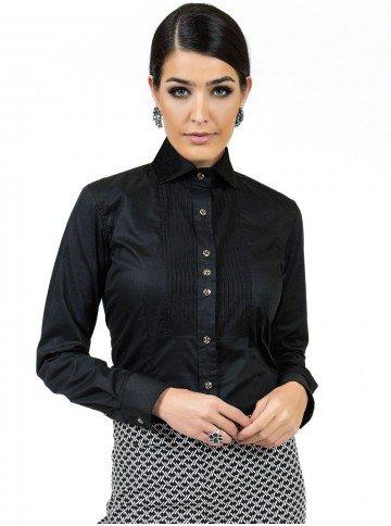 camisa preta detalhe plissado principessa louise look