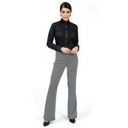 detalhe camisa preta detalhe plissado principessa louise comprar look completo