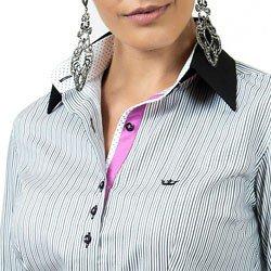 detalhe camisa feminina listrada classica principessa olga colaronho