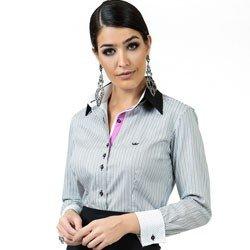 detalhe camisa feminina listrada classica principessa olga look