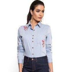 camisa jeans com bordado principessa elizane look