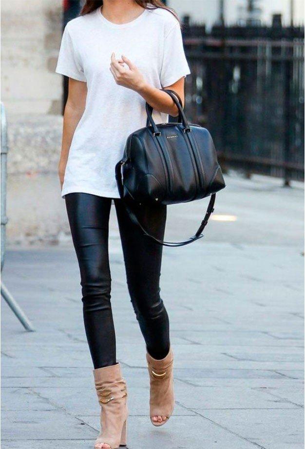 blusa branca calca de couro