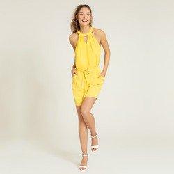 shorts amarelo com cinto alegra geral
