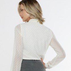 blusa feminina com gola laco off white eugine look costas