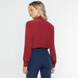 camisa feminina vermelha detalhe modelagem