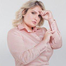camisa social rose personalizada amber plus detalhe