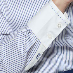 detalhe monograma camisa mayumi