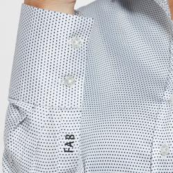 detalhe punho camisa francini bordado