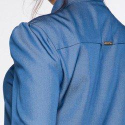 detalhe manga e costas camisa tamiane