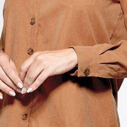 detalhes botoes punho camisa licianna