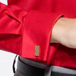 detalhe camisa vermelha abotoadura maristela punho