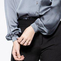 detalhe camisa cetim manga bufante sefora