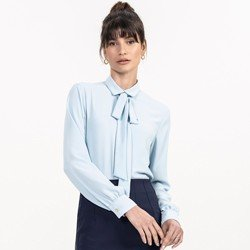 detalhe camisa gola laco azul claro evelinne look