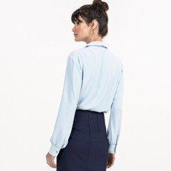 detalhe camisa gola laco azul claro evelinne modelage