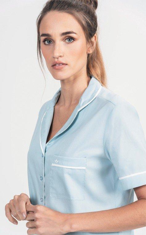Pijama azul claro