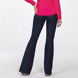 calca jeans escuro flare cintura media sandra costas detalhe