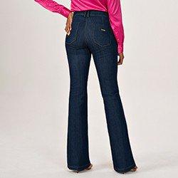 calca jeans modelo alfaiataria flare cintura media eleine mini costas