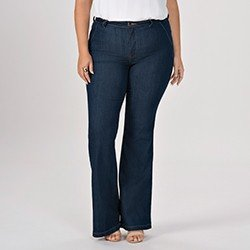 calca jeans plus size modelo flare cintura media eleine mini frente