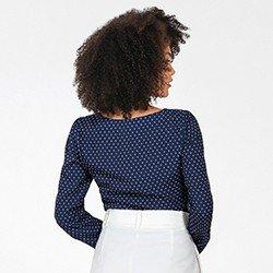 blusa feminina com estampa de gravataria luana mini costas