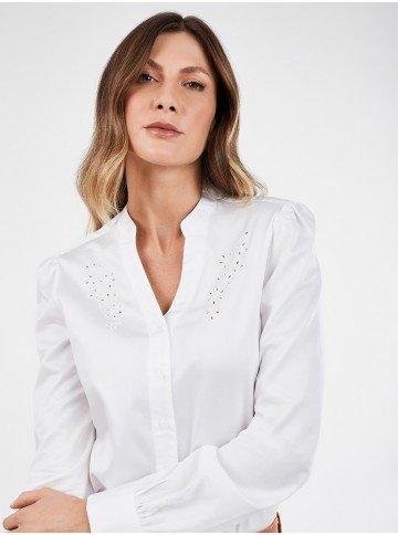 camisa feminina off white bordado richilieu nayara frente detalhe