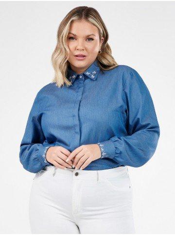 camisa feminina jeans plus size com bordado neide frente