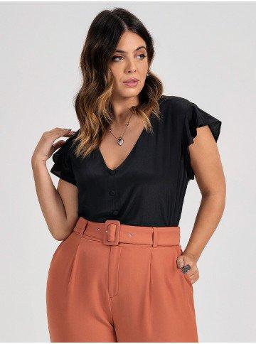 blusa feminina preta plus size com mangas evase celia frente