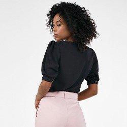 blusa feminina preta manga bufante gola rendada poliana costas mini