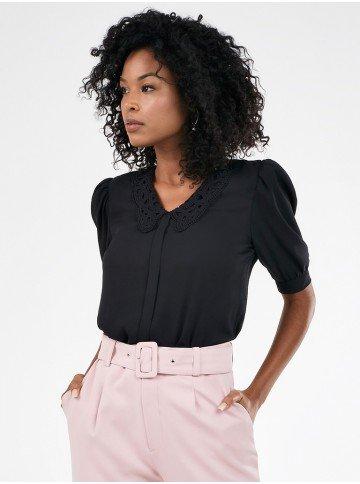 blusa feminina preta manga bufante gola rendada poliana frente