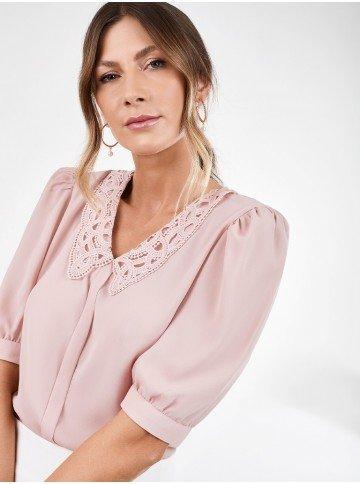 blusa rose manga bufante com gola rendada perola detalhes