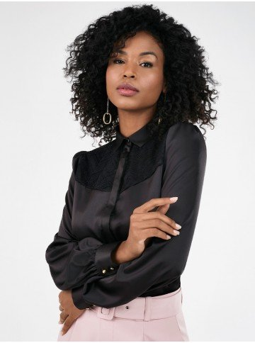 camisa feminina preta com renda pamela detalhe