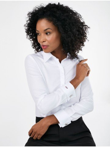 camisa branca premium personalizada com abotoadura nannie detalhe