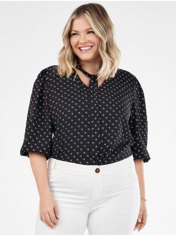 blusa plus size com gola laco estampada ruana