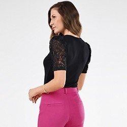 blusa preta com renda rogeria mini