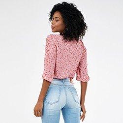 blusa feminina gola laco estampada sandy mini