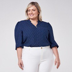 blusa plus size estampada em gravataria marinho talita mini