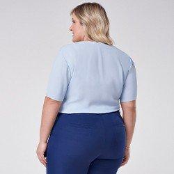blusa de crepe azul plus size ticiane mini