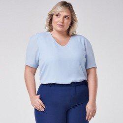 blusa de crepe azul plus size ticiane