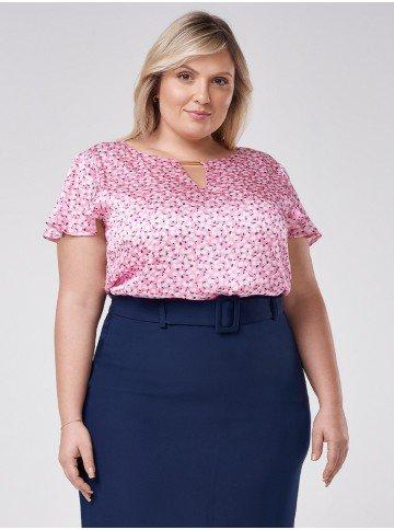 blusa de cetim floral plus size manga evase tuane