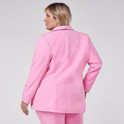 blazer feminino plus size de alfaiataria rosa com martingale taeme mini