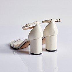 sandalia branca tira em vinil valdiane
